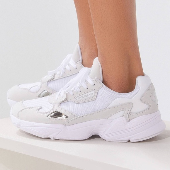 adidas falcon cloud